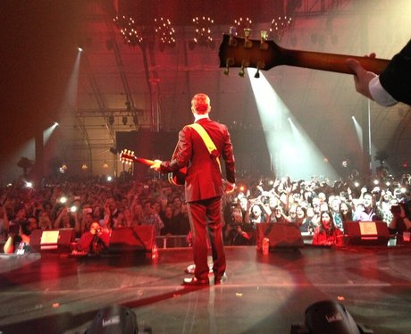 justin timberlake on stage behind
