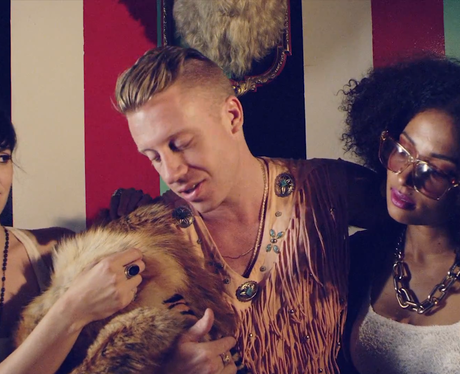 Macklemore Thrift Shop Video, R-Kelly's jacket