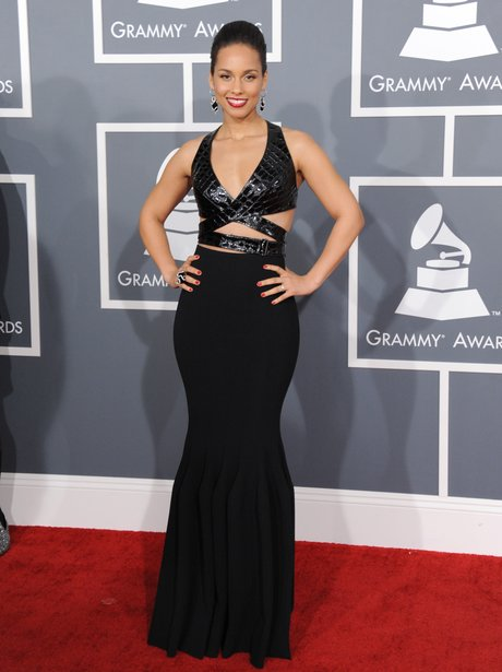 Alicia Keys arrives at the Grammy Awards 2013