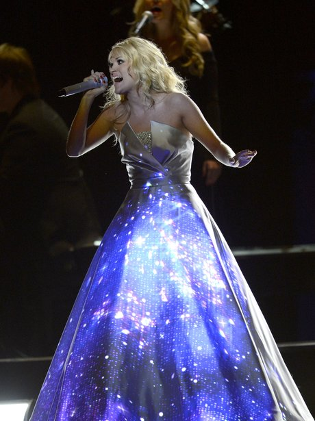 Carrie Underwood performance Grammys 2013
