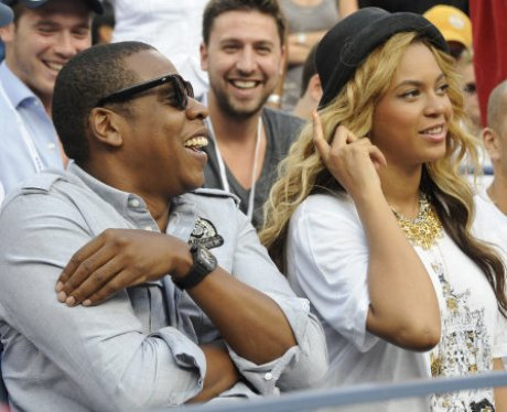 Jay-Z and Beyonce Photobomb