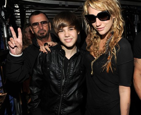 Justin Bieber and Ringo Starr Photobomb