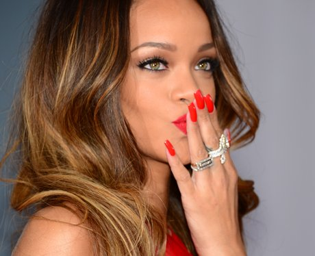 Rihanna Keeps Her Lips Sealed About Her Performance At The Grammys