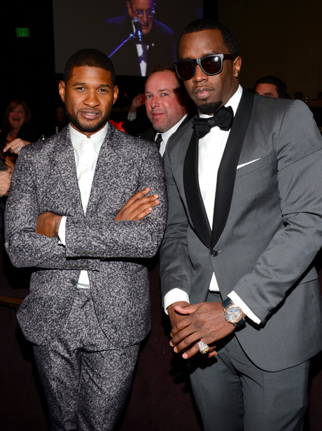 usher and p diddy get photobombed