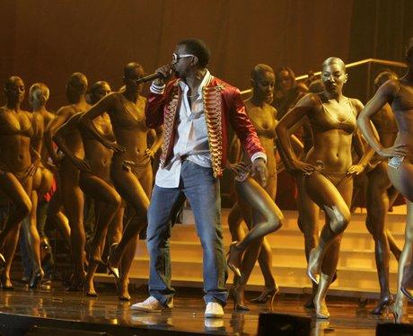 Kanye West performs at 2006 Brit Awards