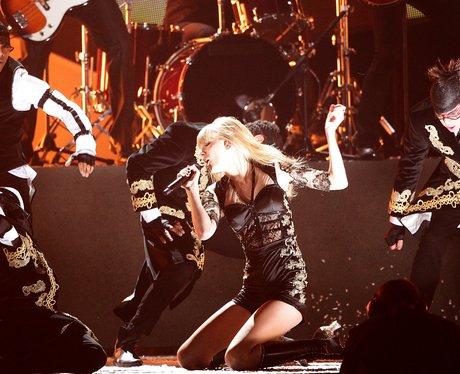 Taylor Swift BRIT Awards 2013 performance