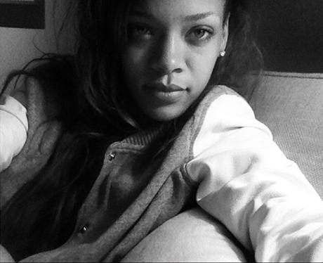 Rihanna Twitter 2013