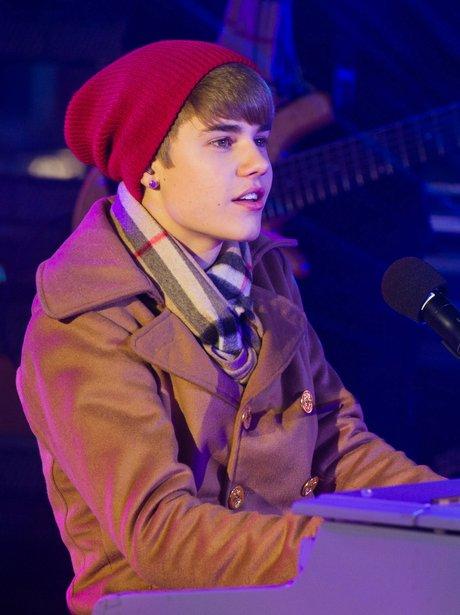 Justin Bieber wearing a beanie hat