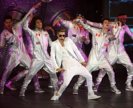 Justin Bieber with his backing dancers at London gig