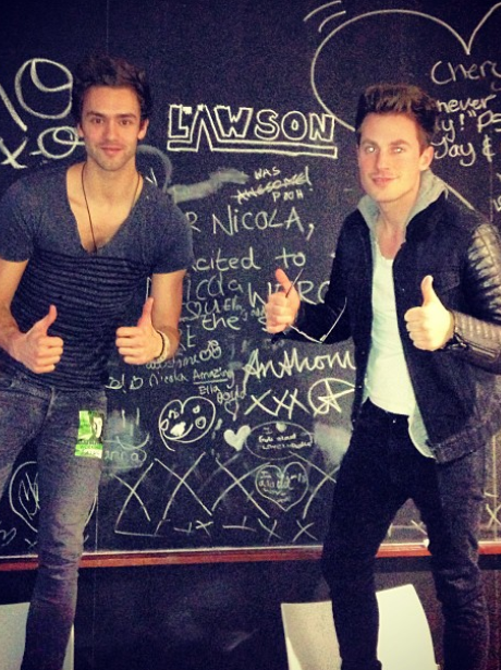 Lawson backstage at Justin Bieber's concert