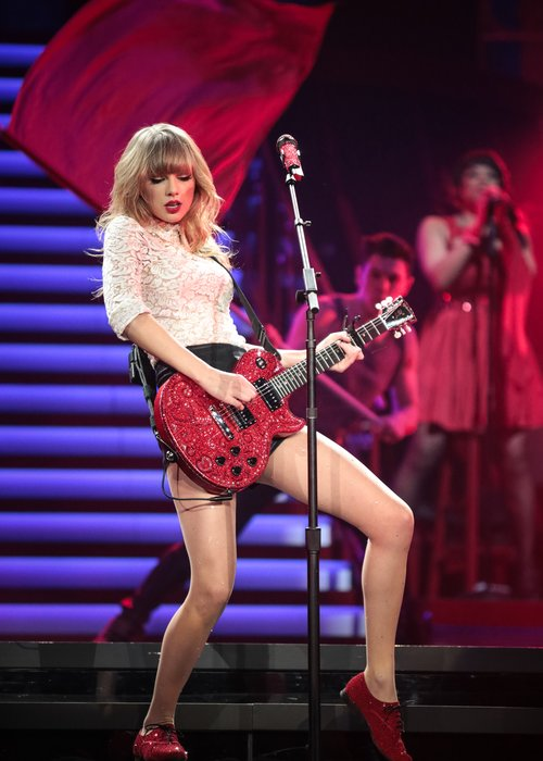 Taylor Swift Filming 'Red' Live Tour DVD? - Capital
