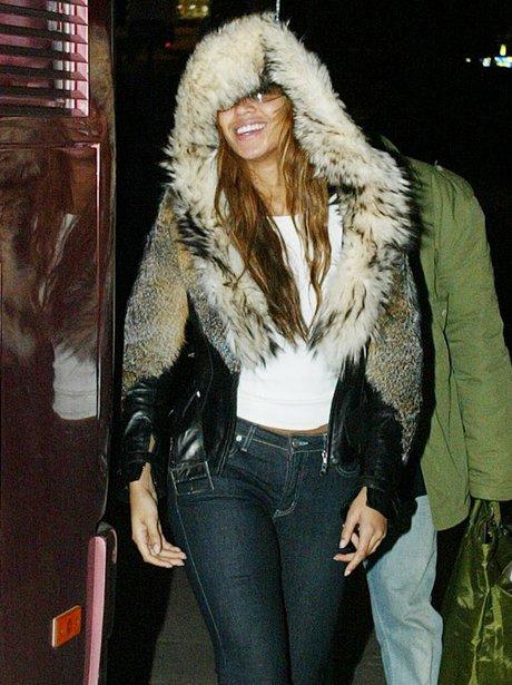 Beyonce wearing jeans 2003