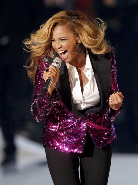 Beyonce performs at the MTV Video Music Awards 2011