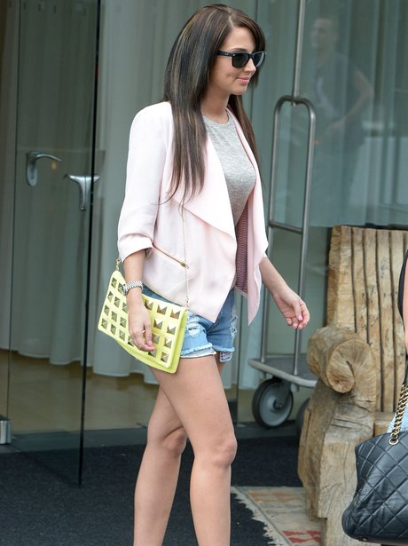 Tulisa shows off new hair in LA