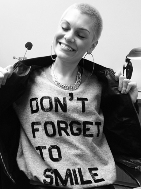 "Jessie J with a ""smile"" t-shirt"