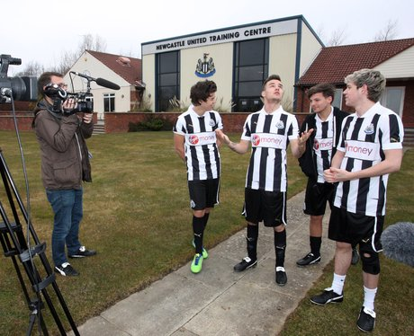 One Direction Head To Newcastle United S Training Ground Pictures Of The Week Capital