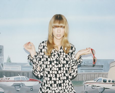 Taylor Swift Wonderland Magazine April 2013