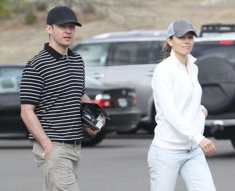Justin Timberlake and Jessica Biel play golf