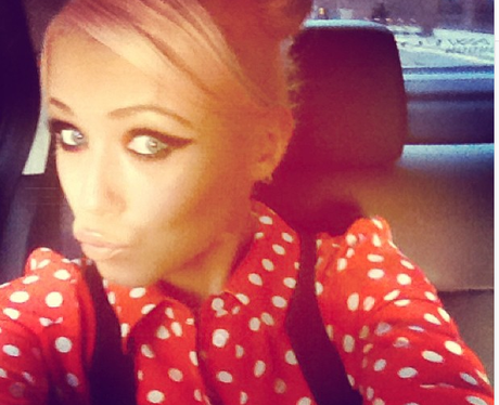 Amelia Lily pouting on Instagram
