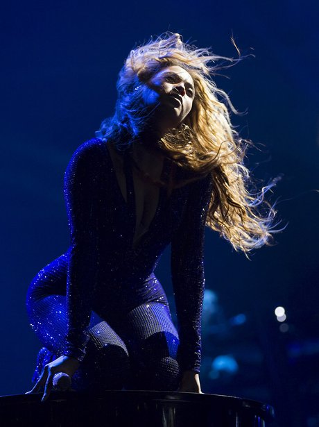 Beyonce Performs On Mrs. Carter Tour