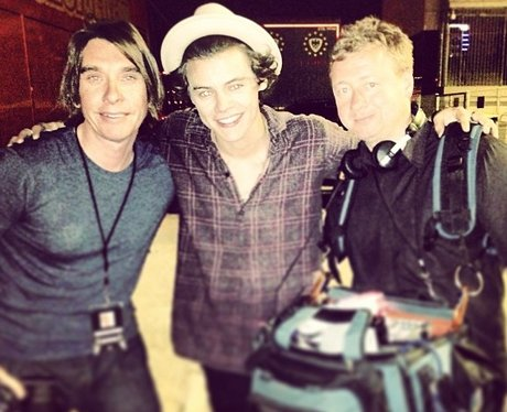 Harry Styles with 3D movie crew backstage