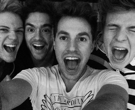 Lawson pose together for a full band selfie