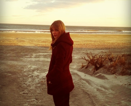 Taylor Swift out on the beach in Winter
