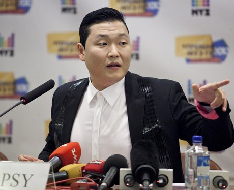 PSY Attends Press Conference