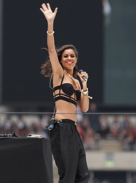 AlunaGeorge At The Summertime Ball 2013