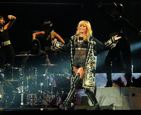 Rihanna performs on her Diamonds tour