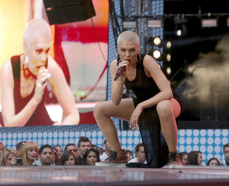 Jessie J twerking
