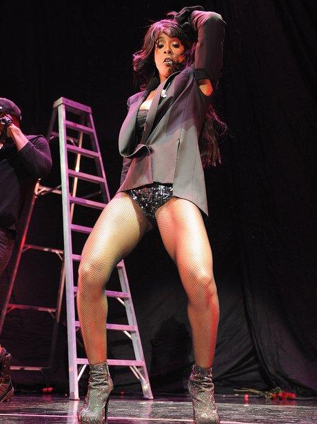 Kelly Rowland twerking