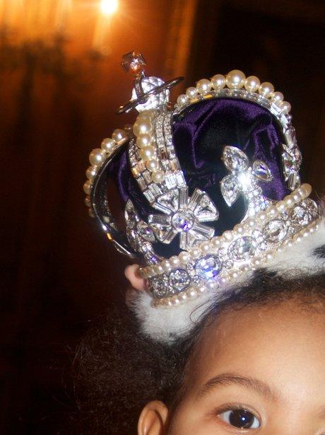 Blue Ivy Carter wearing a crown