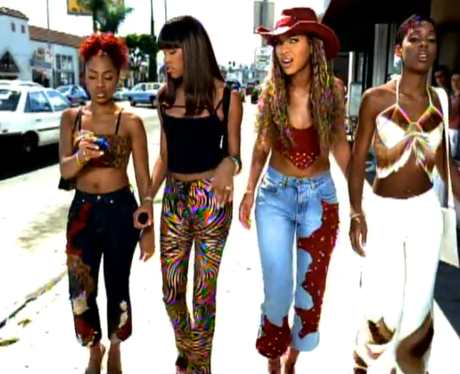 Destinys Child holding pagers