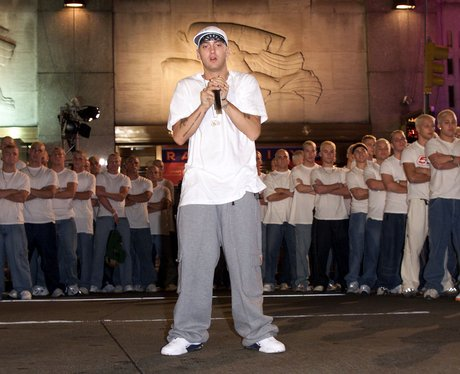 Eminem performs at the MTV Video Music Awards 2000