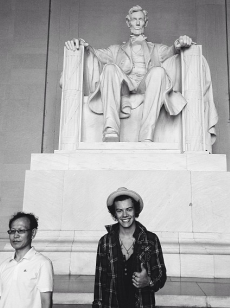 Harry Styles Lincoln Memorial
