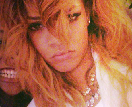 Rihanna selfie instagram