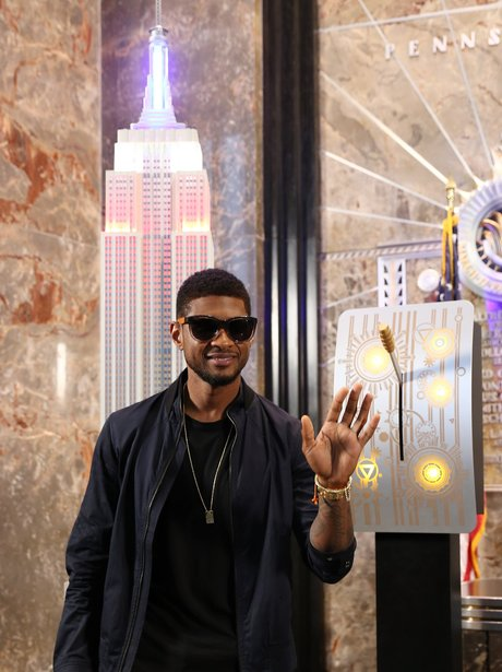 Usher lights The Empire State Building