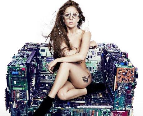 Lady Gaga posts a single teaser
