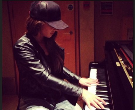 Cheryl Cole on instagram playing piano