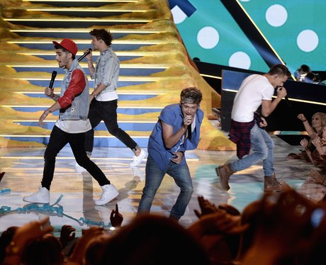 One Direction performing Best Song Ever at Teen Choice Awards 2013