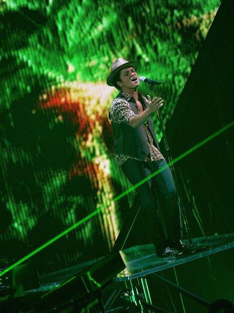 Bruno Mars MTV VMAs 2013