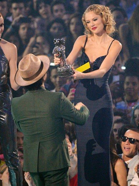 Taylor Swift, Bruno Mars MTV VMAs 2013