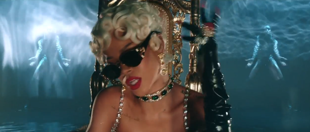 Rihanna - 'Pour It Up' (Official Video)