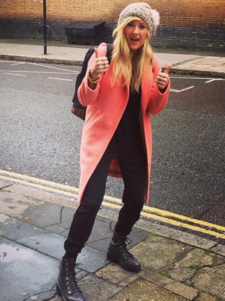 Ellie Goulding thumbs up