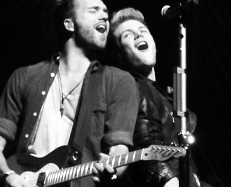 Lawson on tour with Jessie J