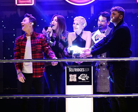 Oxford Christmas Lights Switch On