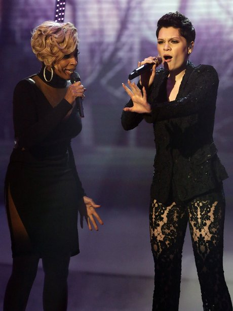 Jessie j and Mary J Blige perform together