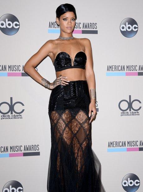 Rihanna American Music Awards 2013 Red Carpet