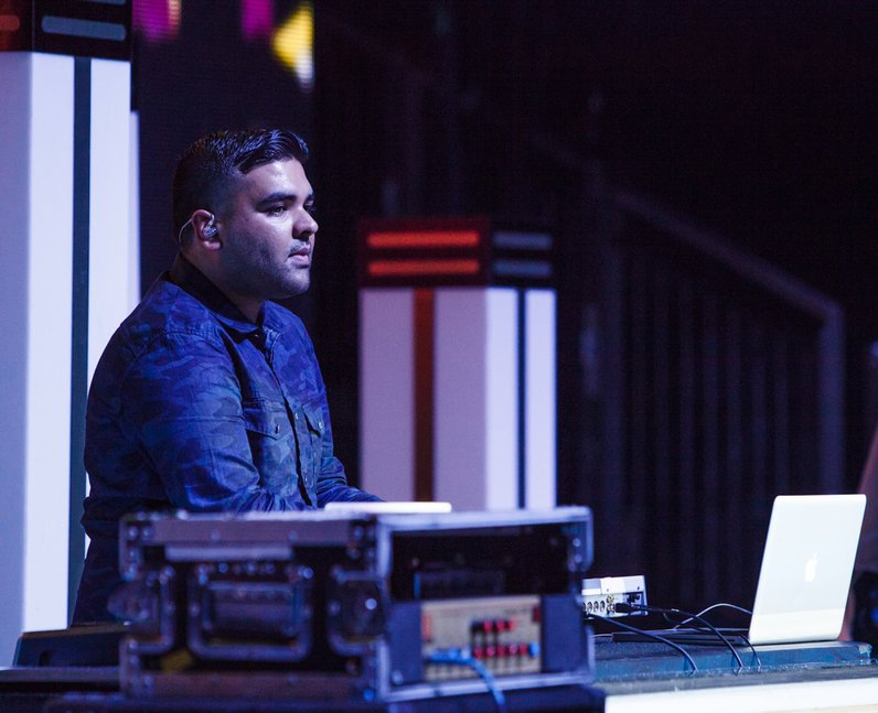 Naughty Boy live Jingle Bell Ball 2013